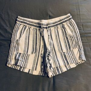 Ladies blue and white stripped shorts size 4